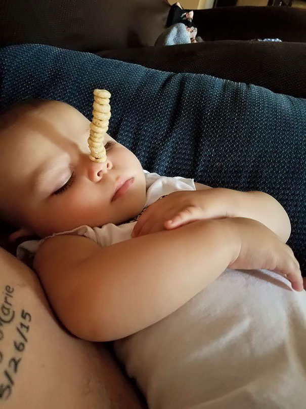 cheerio-challenge-dads-stack-cheerios-babies-funny-competition-13-576519111842a__605