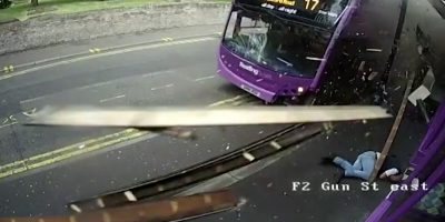 Mies jäi bussin alle – jatkoi matkaansa baariin.