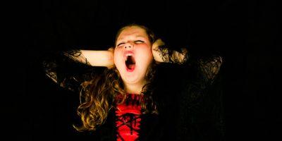 Nainen sai kiellon laulaa kotonaan – kuulosti aivan hukkuvalta kissalta