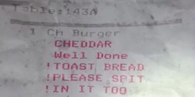 Kokkia pyydettiin sylkemään asiakkaan ruokaan – asiakas sai selville kuitista!