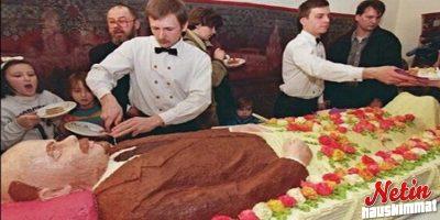 Hurjannäköisiä kakkuja! – Jäisikö syömättä?