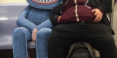 Suloisia hirviöitä metroissa – taiteilijan työt kiinnostava maailmalla