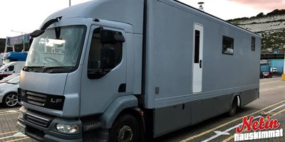 Pariskunta remontoi kuorma-autosta unelma kodin! – Maksoi 25 000 dollaria!