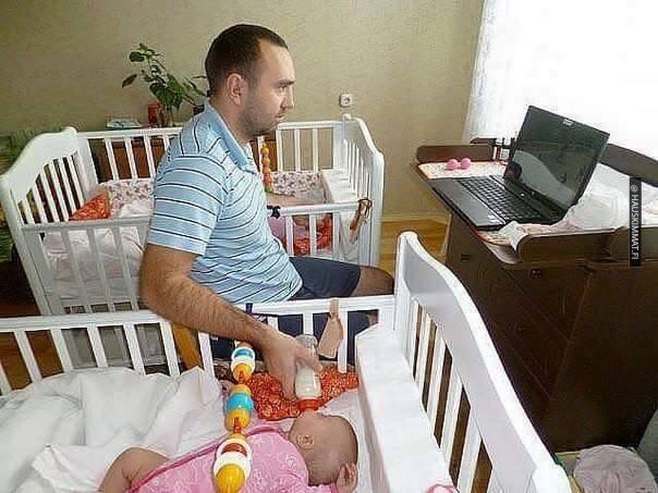 12-asia-mita-tapahtuu-kun-vauva-jatetaan-yksin-isan-kanssa-katso-hauskat-kuvat