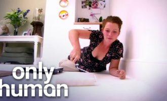 Nainen maalaa lattiansa joka päivä!