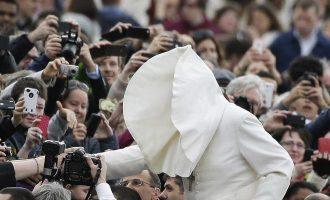 Mikä on paavin pahin vihollinen? – 8 huvittavaa tilannetta