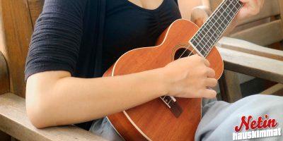 Tämä nainen soittaa ukulelella oopperaa! – Katso henkeäsalpaava video!